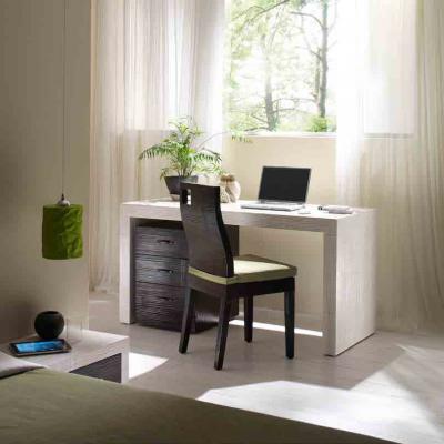 scrivania Essential con cassettiera con ruote