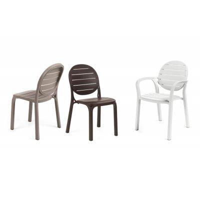 sedia Palma - con braccioli e sedie Erica - senza braccioli