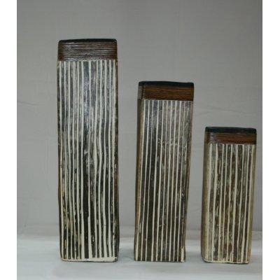 Tris di vasi in terracotta rivestiti di bambù