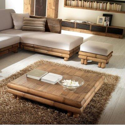 particolare divano, poof e tavolino tsu miele antico