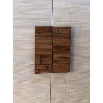 particolare maniglia in crash bambù per armadio Alum