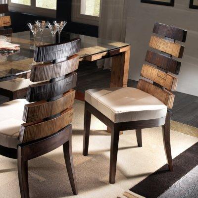particolare tavolo  e sedia Cross
