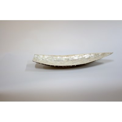 vassoio Barca con mattoncini in madreperla e noce di cocco