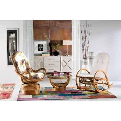 dondolo Incrociato con cuscino, poltrona girevole e tavolino serie Colombo tinta miele