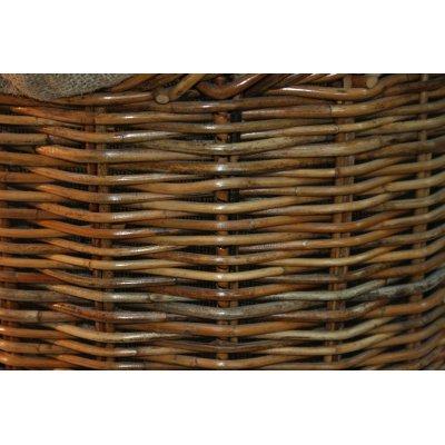 particolare telaio in ferro cesto porta legna Garda