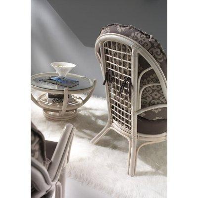 tavolino Luna piano vetro e particolare poltrona Vinci