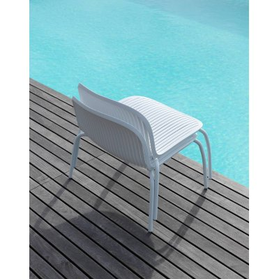 poltrone Ninfea Relax colore bianco impilate