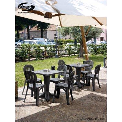 tavolo Giove con sedie Elba colore antracite