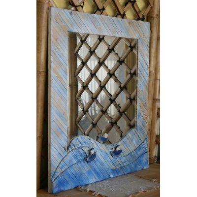 Specchio con cornice in legno riciclato