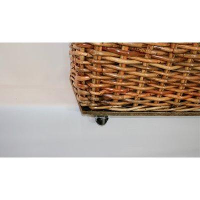 particolare cesto coprivaso modello Forlì in giunchino rosso