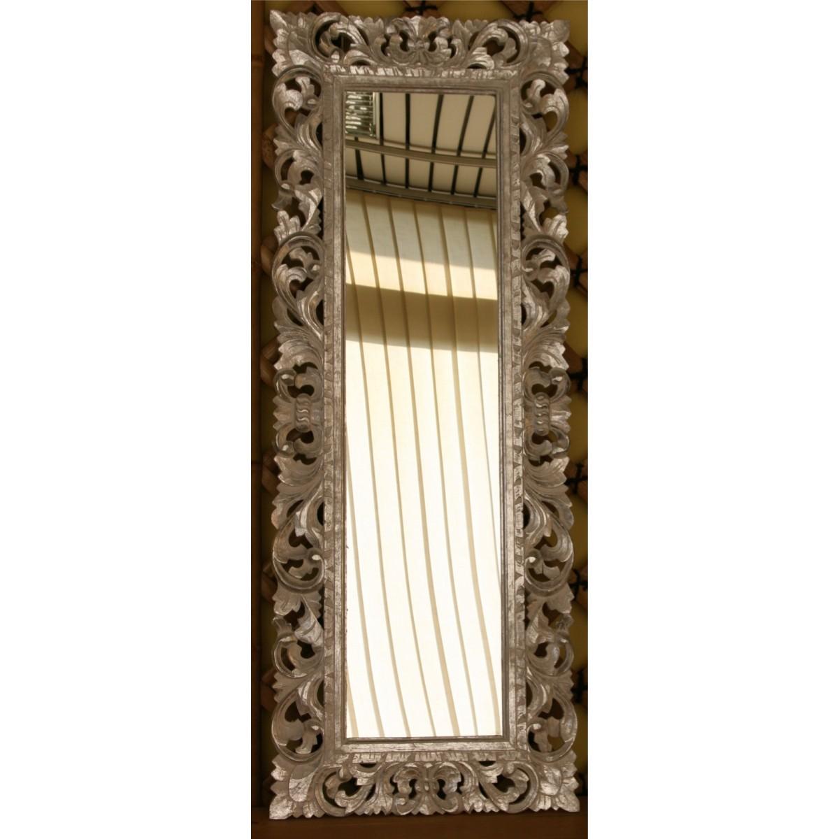 Specchio in legno con cornice intarsiata