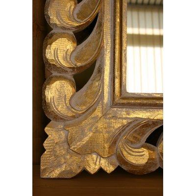 Specchio color oro fatto interamente a mano