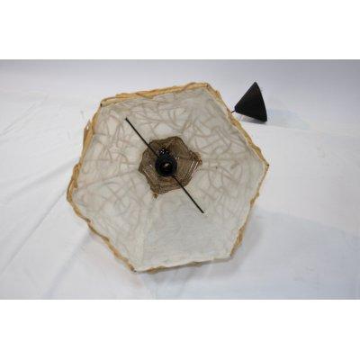particolare del lampadario Africa in midollino e paglia di riso