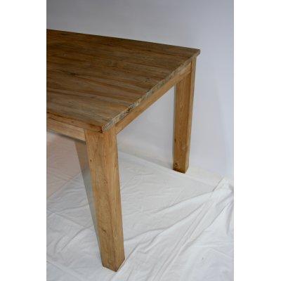 particolare tavolo Judi in tek riciclato (M)