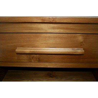 particolare cassettiera modello Amalfi in legno di tek