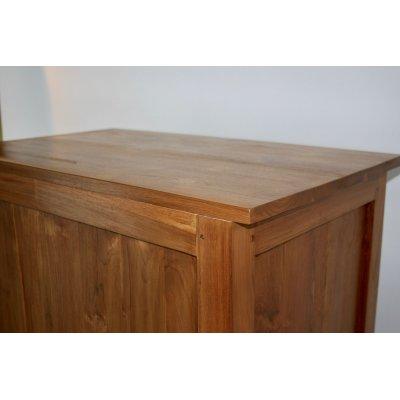 particolare dello schienale della cassettiera modello Amalfi in legno di tek